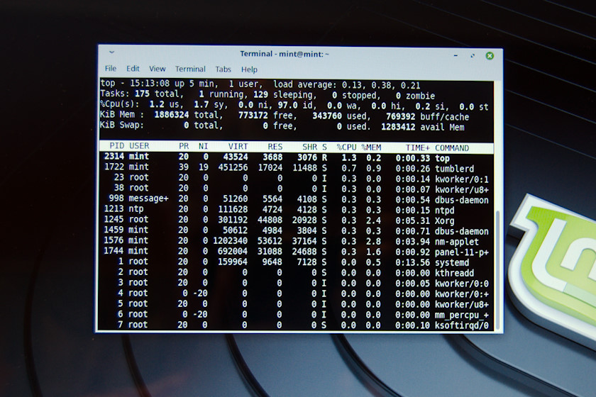 Command Line Interface - Terminal window in Linux Mint [photo: Henrik Hemrin]